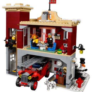 lego-creator-expert-10263-winter-winterliche-Feuerstation3-bricksblog.de